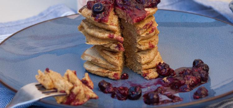 Fluffy pannenkoeken met homemade jam