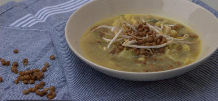 Bloemkool soep met ras el hanout kruiden en kokosmelk