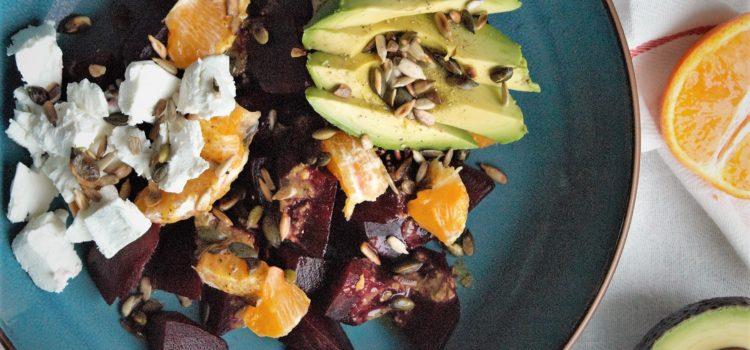 Bietensalade met geitenkaas & avocado