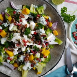 Frisse broccoli salade met feta & limoen